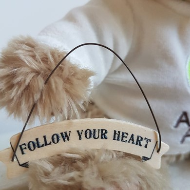 'Follow your heart' ribbon tag